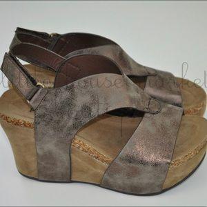 Bronze V-Cut Wedge New In Box